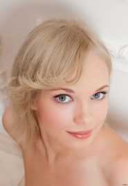 Free porn pics of Feona sexy blond feet girl 1 of 291 pics