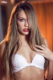 Free porn pics of Kimmy Granger - Golden Gal 1 of 102 pics